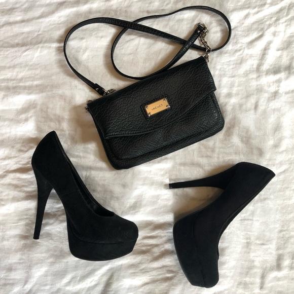 Nine West Handbags - Black Nine West Chain Crossbody Bag/Clutch